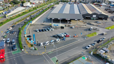 Corner Site Warehouse for Lease Auckland