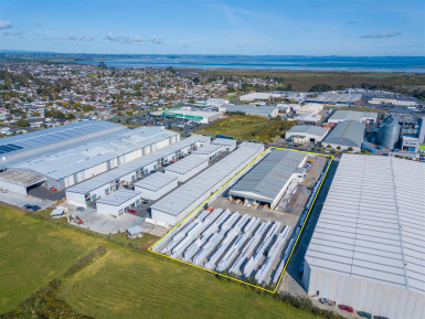 IHuge Yard with Great Building for Lease Wiri Auckland