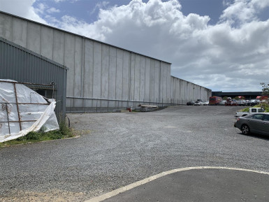 Sealed Yard with Workshop Property for Lease Penrose Auckland