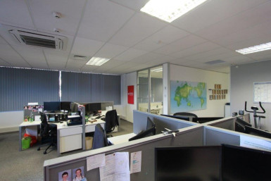 Tidy Corporate Office for Lease East Tamaki Auckland