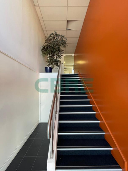 Tidy First Floor Office Property for Lease Penrose Auckland