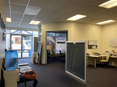Showrooms Bulky Goods Store Property for Lease Petone Wellington