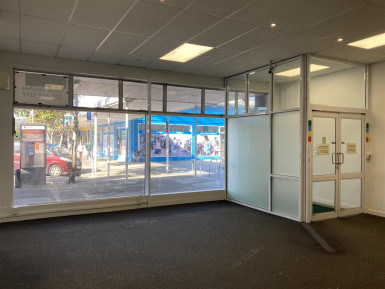 Showrooms and Bulky Goods Property for Lease Porirua Wellington