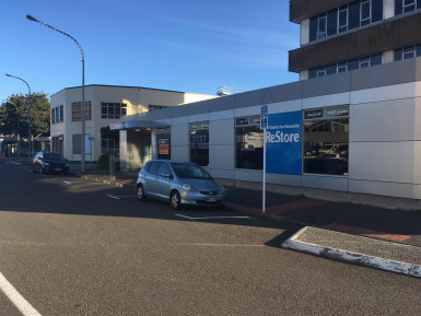 Prime Bulk Retail for Lease Lower Hutt Wellington