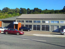 Quality Showroom Warehouse  Property  for Lease