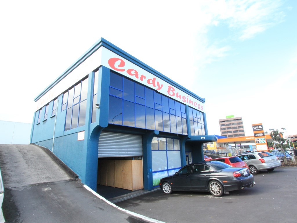 Standalone Commercial Offices  for Lease Penrose Auckland