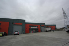 Large Industrial Unit  Property  for Lease