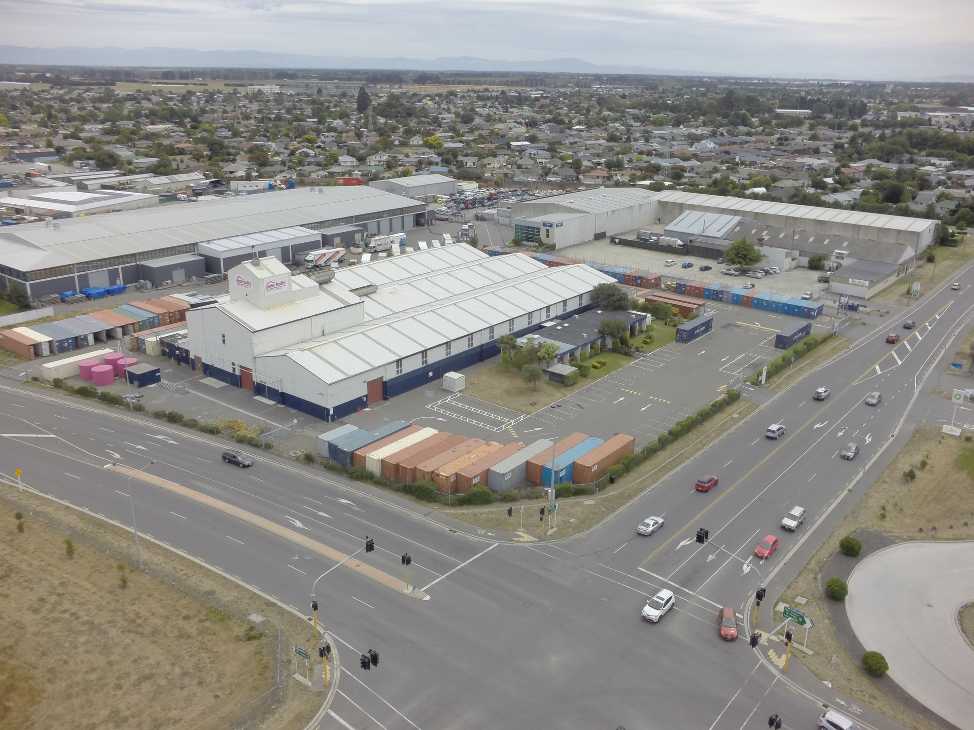 Major Exposure Warehouse  for Lease Hornby