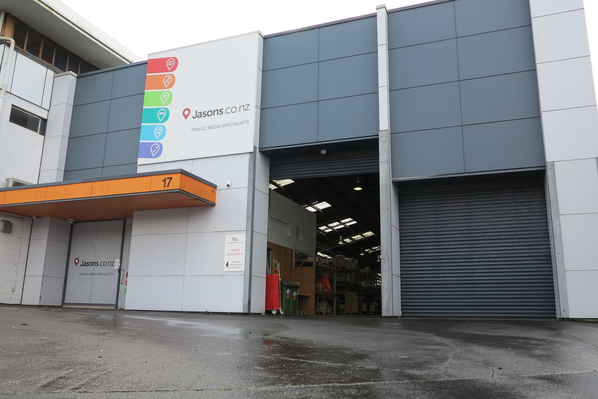 Industrial Unit with Gantry Crane  for Lease Penrose Auckland