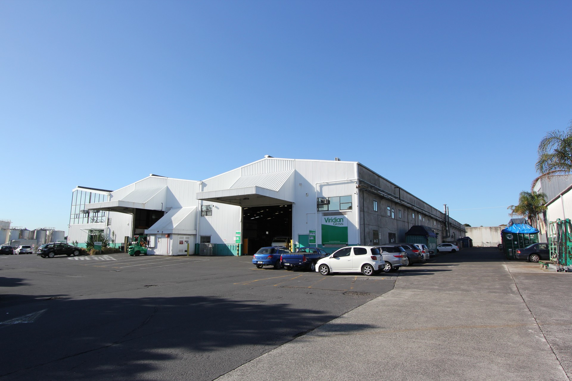 Warehouse with Yard and Cranes  for Lease Mt Wellington Auckland