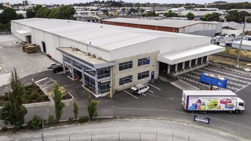 Large Penrose Warehouse  for Lease Auckland