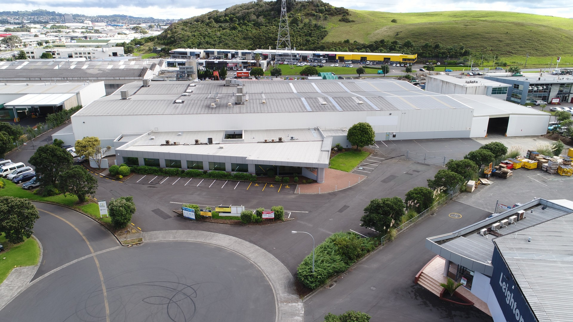 Large Industrial Property  for Lease Mount Wellington Auckland