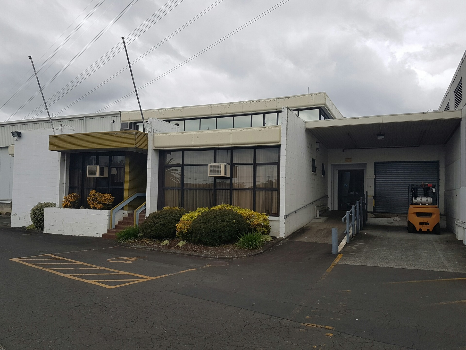Large East Tamaki Warehouse  for Lease Auckland