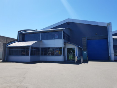 Industrial Warehouse with Gantry Crane  for Lease Upper Riccarton Christchurch