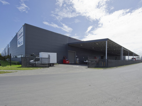 Warehouse with Drive Through Yard  for Lease Auckland Wiri
