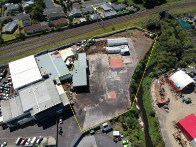 Industrial Warehouse with Large Yard  for Lease Manurewa Auckland