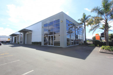 Road Frontage Industrial Unit  for Lease Wiri Auckland
