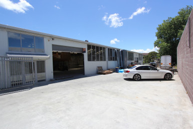 Fully Fenced Industrial Warehouse  for Sale Henderson Auckland