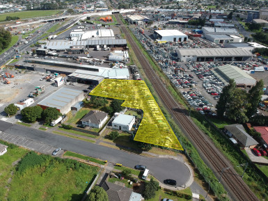 Industrial Warehouse with Large Yard  for Lease Takanini Auckland