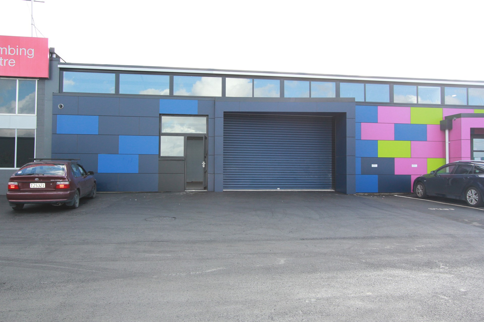 Recently Refurbished Industrial Warehouse  for Lease Saint Johns Auckland