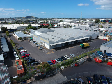 Industrial Warehouse with Yard Carparking  for Lease Mount Wellington Auckland