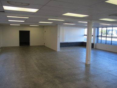 Showroom  Property  for Lease
