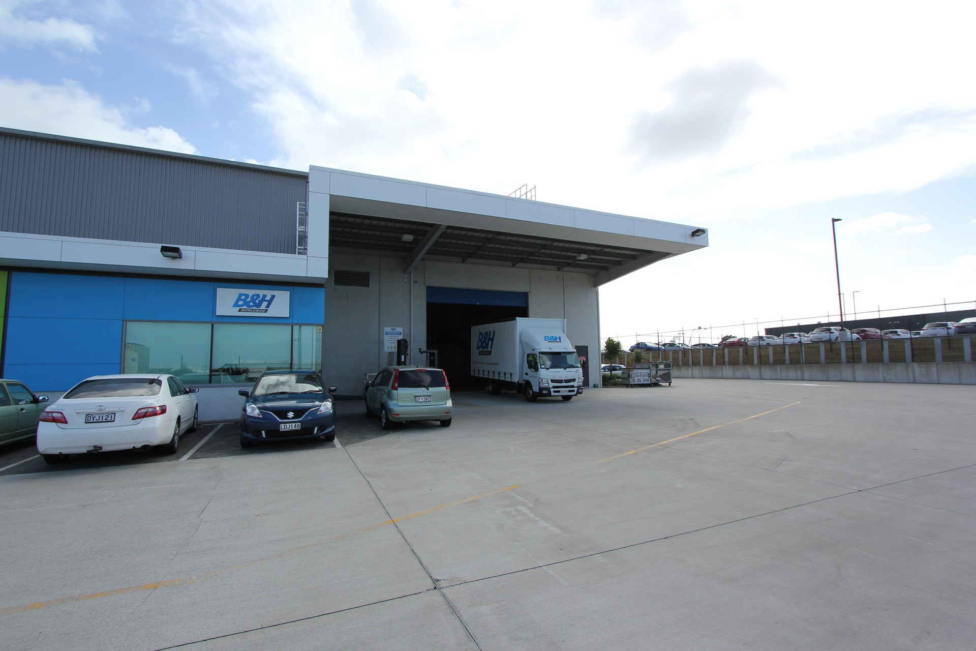 Industrial Warehouse with Office and Yard  for Lease Auckland Airport