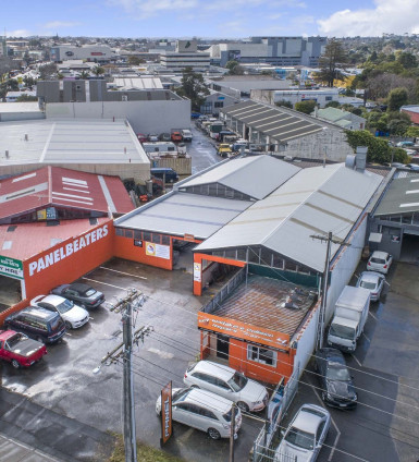 Henderson Warehouse  for Lease Auckland