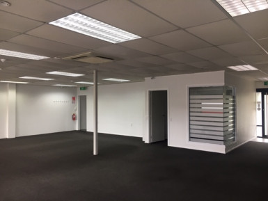 Retail with Carparks  for Lease Edgeware Christchurch