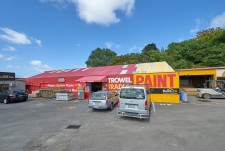 Affordable Warehouse and Showroom  Property  for Lease