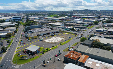 Industrial Warehouse with Fully Secured Yard  for Lease Penrose Auckland