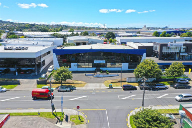 Industrial Warehouse with Carparking  for Lease Onehunga Auckland
