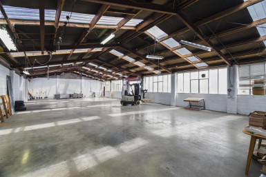 Tidy Warehouse  Property  for Lease