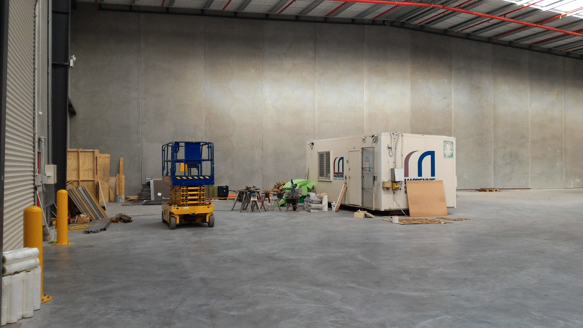Fully Fenced Industrial Warehouse  for Lease Wiri Auckland