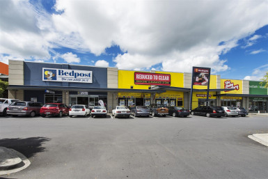 Southgate Bulk Retail  Property  for Lease