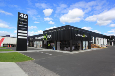 Tidy Industrial with Huge Exposure  for Lease Mount Wellington Auckland