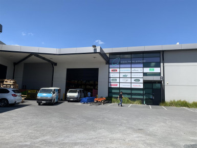 High Stud PIndustrial Property  for Lease Penrose Auckland
